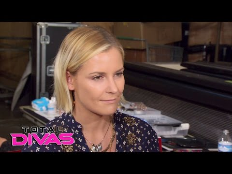 Natalya Renee Young And R Truth Debate Cats Vs Dogs Total Divas